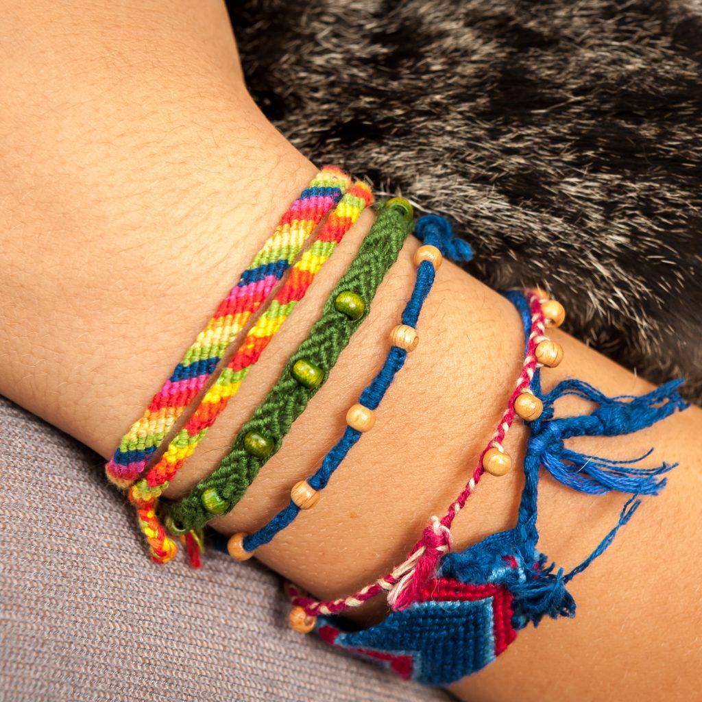 Floss friendship bracelet instructions